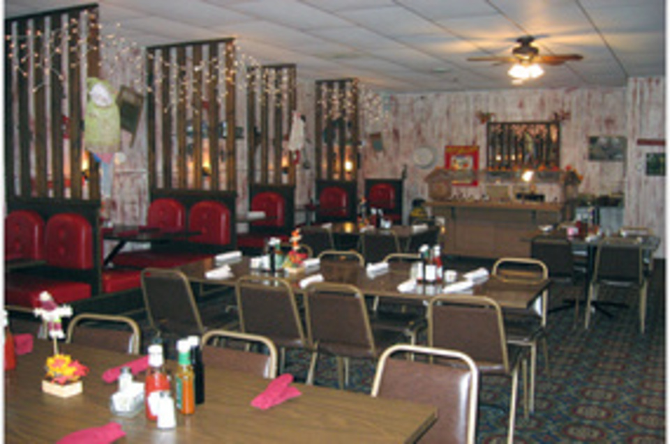 Tony's Steakhouse & Lounge - Food and Beverage - Restaurants in Stanton NE
