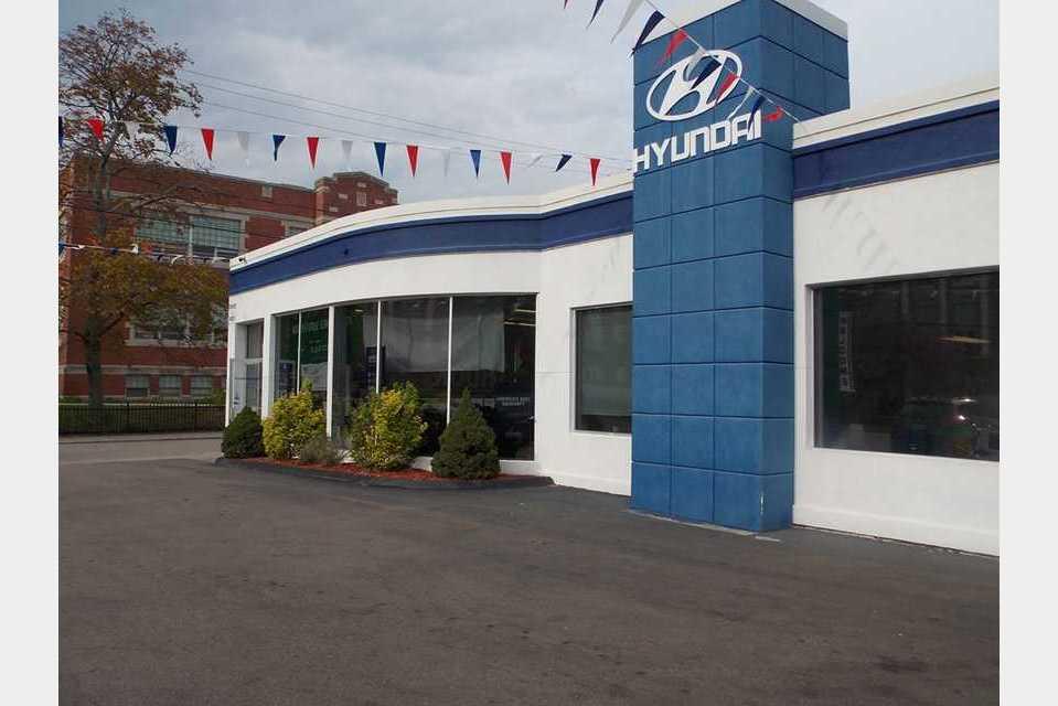 Courtesy Hyundai - Auto - Auto Dealers in Pawtucket RI
