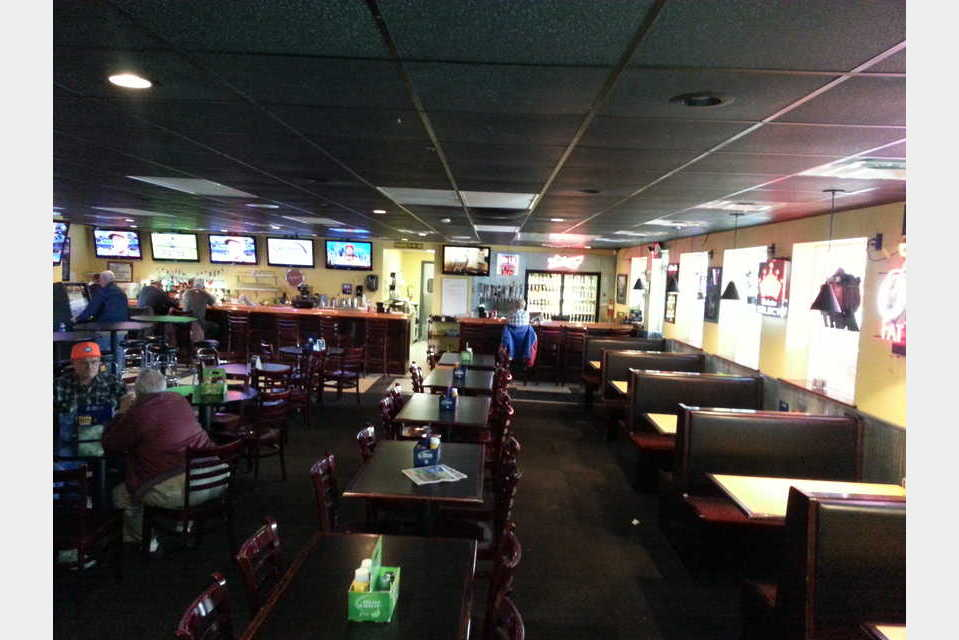 Nick's Bar & Grill - Nightlife - Pubs in Cedar Rapids IA