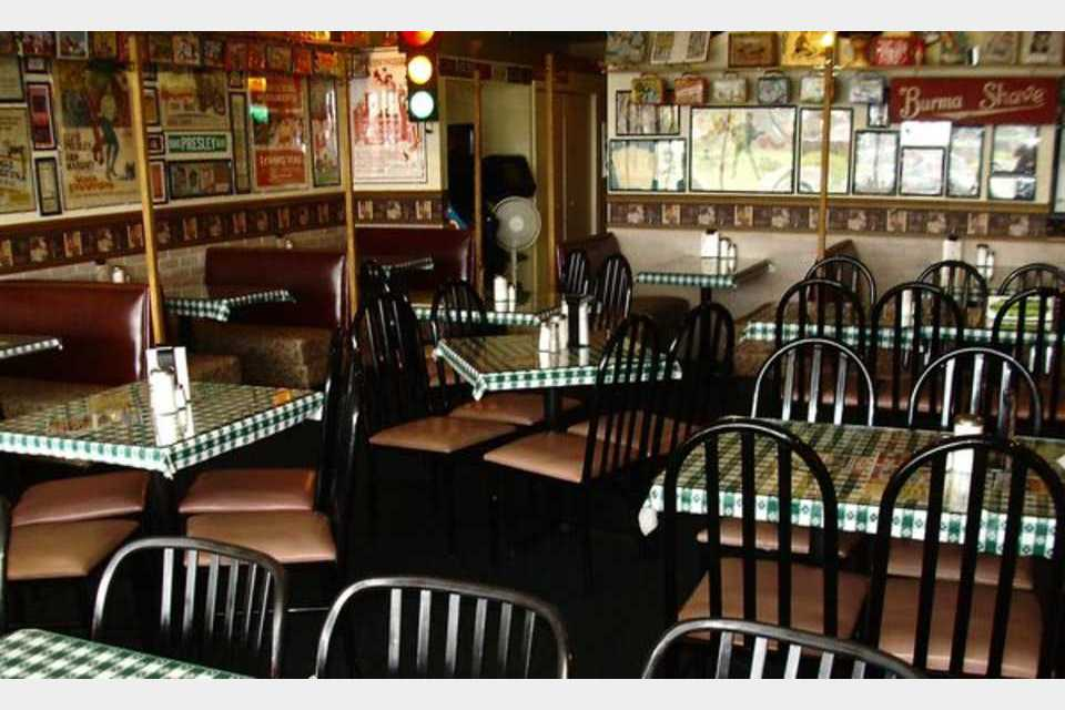 Lindy's Chili & Gertie's Ice Cream - Morris - Food and Beverage - Restaurants in Morris IL
