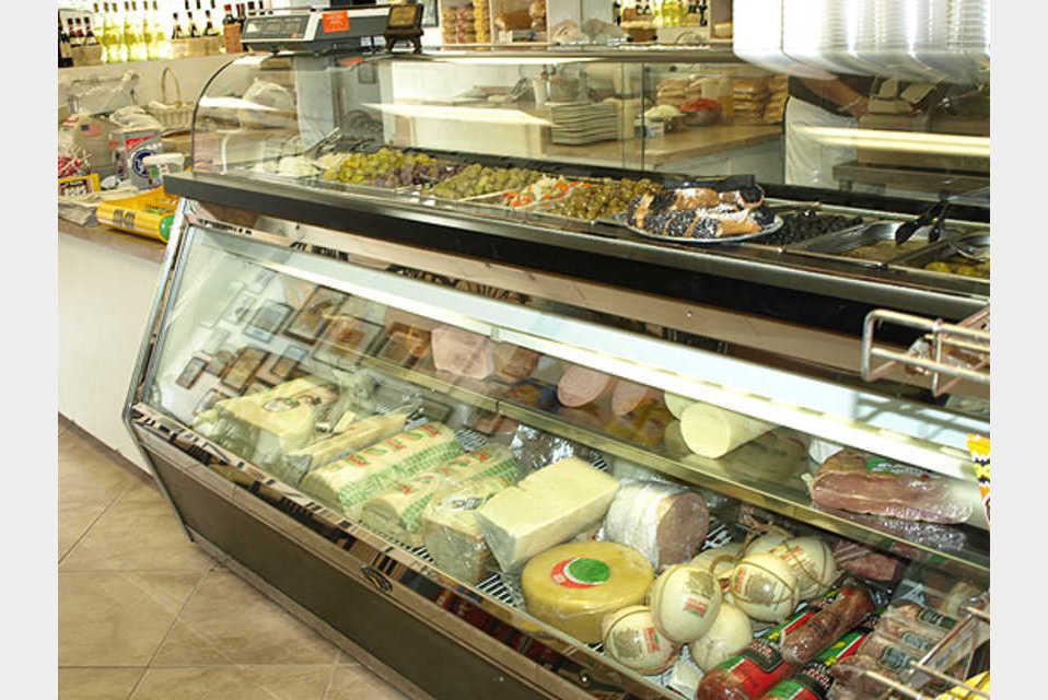 Bellini's Italian Restaurant & Delicatessen - Food and Beverage - Restaurants in Deland FL