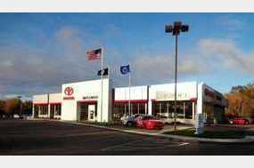 Maplewood Toyota in Maplewood, MN