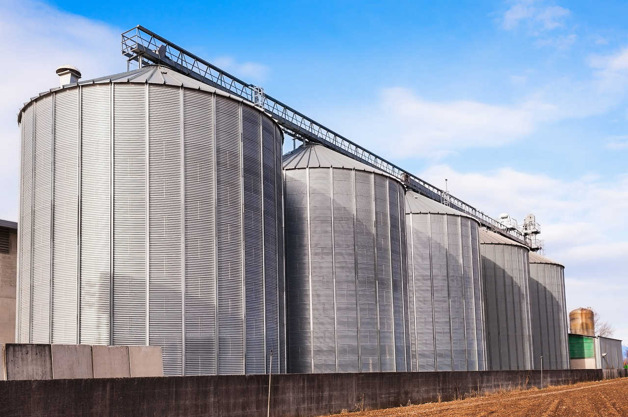 Superior Grain Equipment - Construction - Agriculture Production in Kindred ND