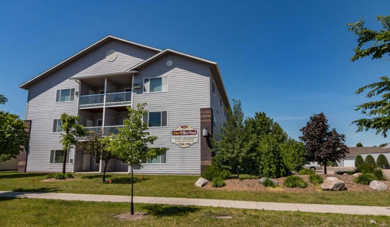 West WillowWood Apartments - Real Estate - Apartments in Fargo ND
