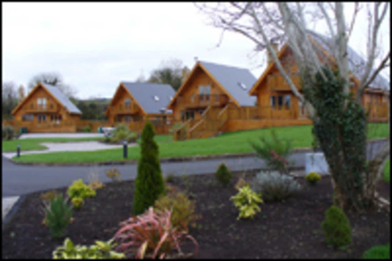 Dow & Duggan Log Homes International - Real Estate - Real Estate Agents in Hatchet Lake NS