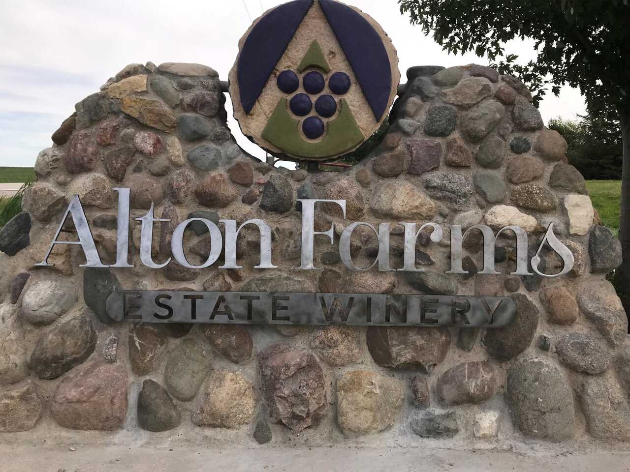 Alton Farms Estate Winery - Shop Local - Open Remotely in Town of Plympton-Wyoming ON